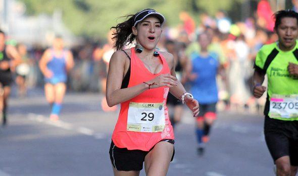 Recomendaciones de alimentación e hidratación para correr un medio maraton - Run4You.mx